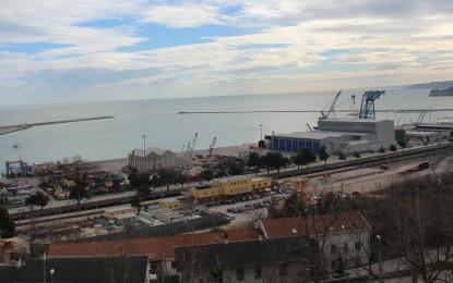 """D'Alfonso: """"Voglia, risorse e idee per rivitalizzare la nave San Tommaso"""""""