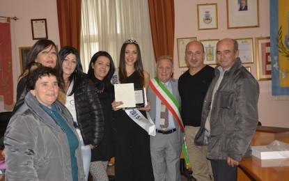 Il sindaco di ripa teatina premia miss adriatico