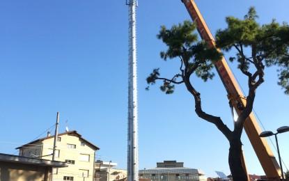 Nuova antenna per la telefonia mobile nel centro di Francavilla