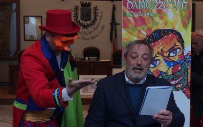 Tutto il programma del Carnevale d'Abruzzo 2017, Luciani lancia l'idea per un nuovo capannone e un museo