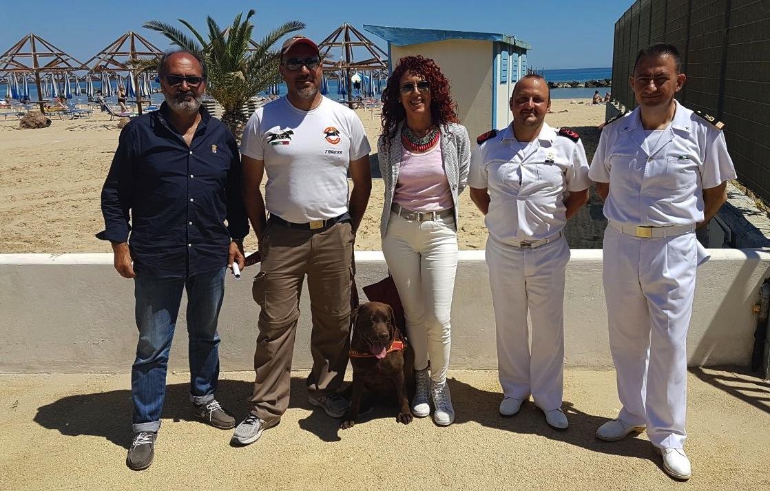 Unità cinofile in spiaggia a Francavilla