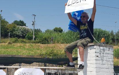 """Ortona, protesta davanti al canile: """"Rivoglio i miei cani"""""""