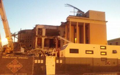 """Palazzo Sirena, i consiglieri Mantini e D'Amario: """"La gestione della demolizione ha creato solo disagi e ha inasprito gli animi"""""""