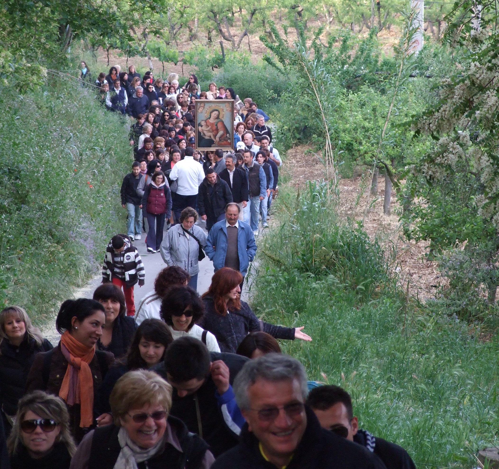 Da Vacri a Francavilla in pellegrinaggio, si rinnova la tradizione