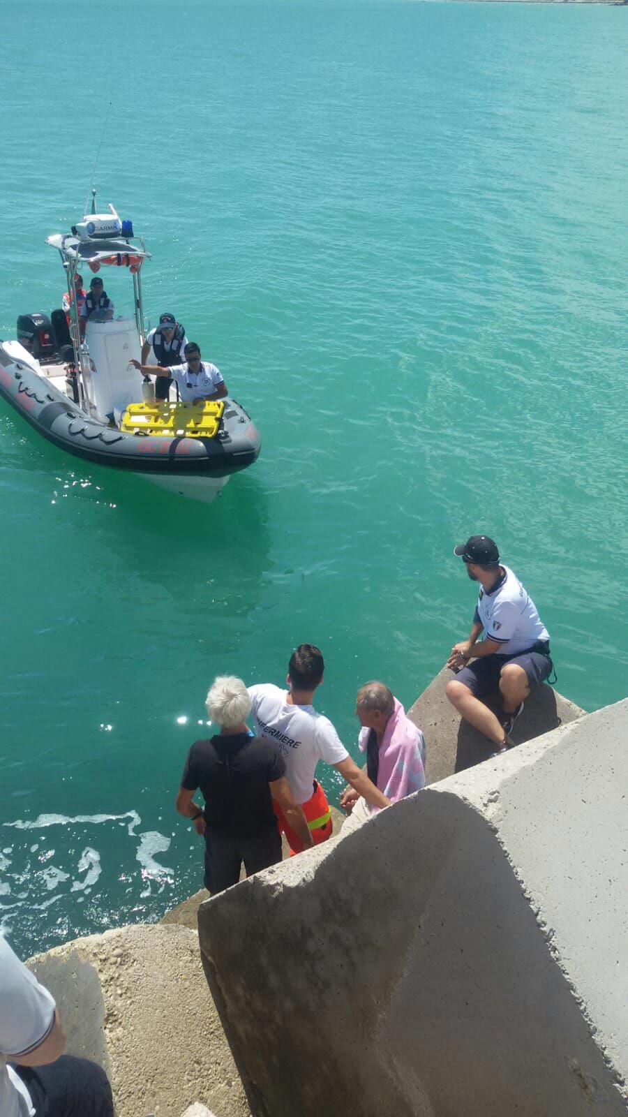 Ortona: la Guardia Costiera salva ottantenne scivolato tra gli scogli