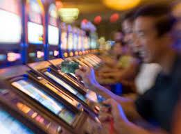 Bucchianico, contro il gioco d'azzardo: votata all'unanimità la proposta del M5S