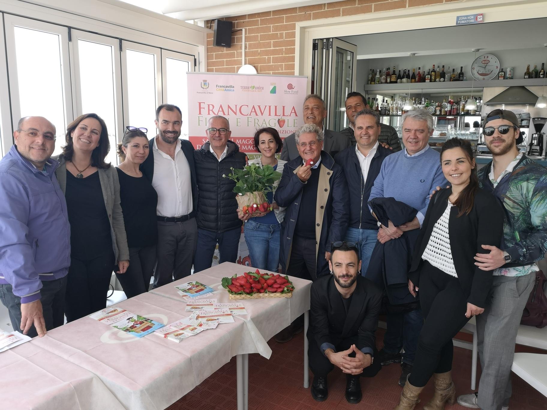 Francavilla Fiori e Fragole, torna il grande appuntamento sul lungomare Tosti