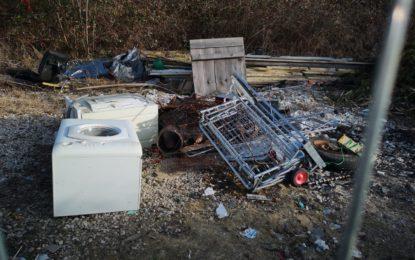 Denunciato per aver avviato un'attività non autorizzata di raccolta di rifiuti pericolosi e non