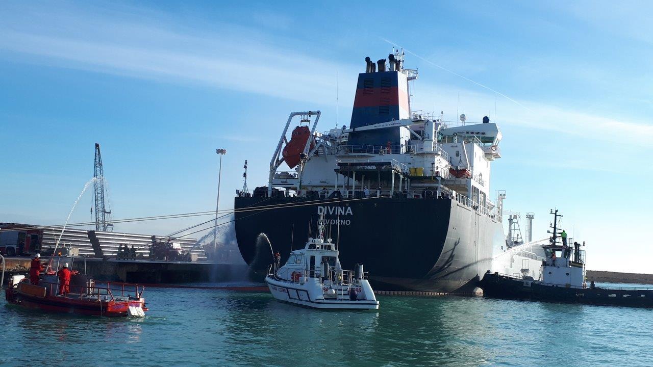 Guardia costiera: esercitazione nel porto di Ortona