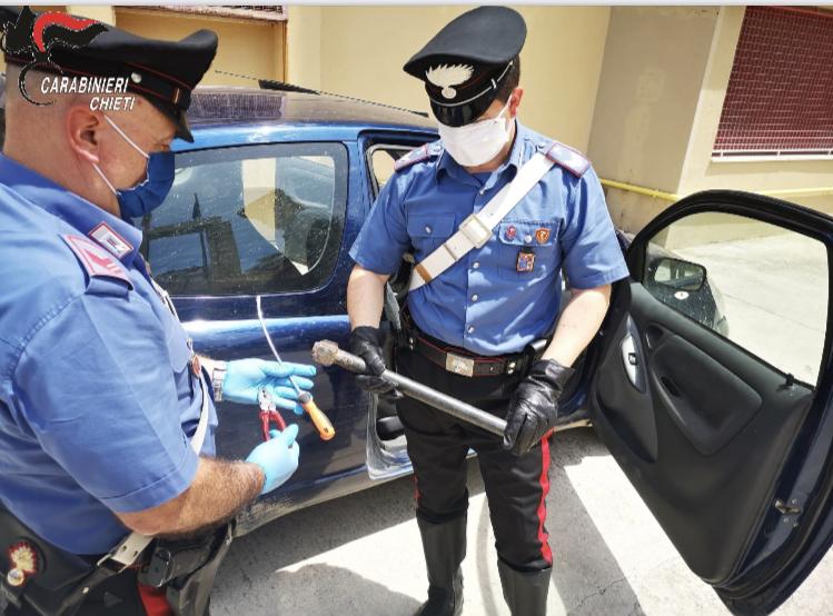 Ortona, ladri di auto in trasferta da Foggia fermati con arnesi da scasso