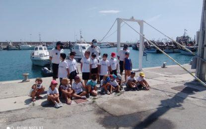 I bambini del Serao in visita alla Capitaneria di Porto