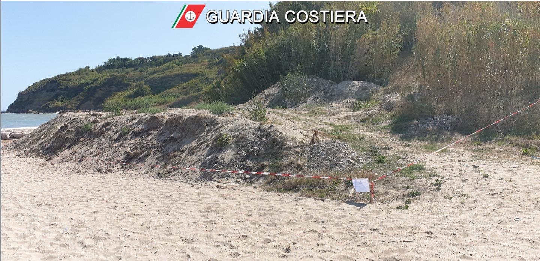 Rifiuti al lido Riccio: sequestro della Capitaneria di Porto